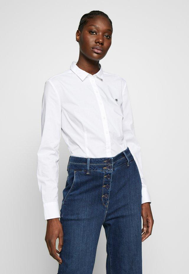 CLASSIC STYLE SLIM - Button-down blouse - white
