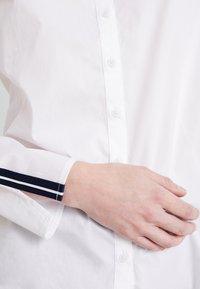Marc O'Polo - BLOUSE CREW NECK SLIT - Blus - white - 6