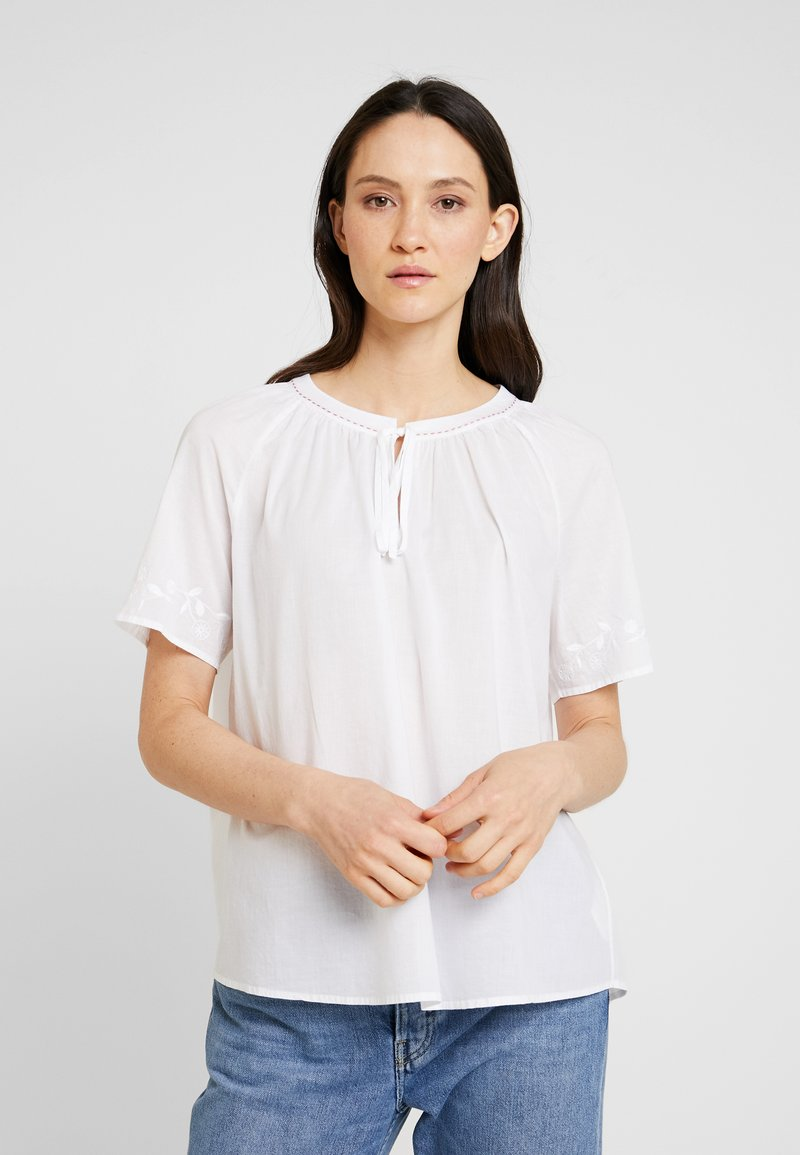 Marc O'Polo - BLOUSE EMBROIDERY SHORT SLEEVES - Blůza - white