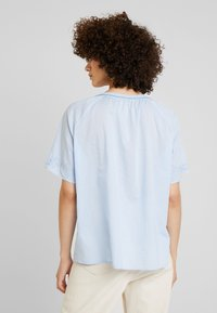 Marc O'Polo - BLOUSE EMBROIDERY SHORT SLEEVES - Blůza - light blue - 2
