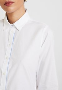 Marc O'Polo - BLOUSE LONG SLEEVED - Button-down blouse - off white - 5