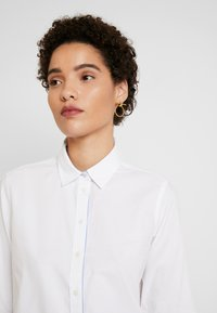 Marc O'Polo - BLOUSE LONG SLEEVED - Button-down blouse - off white - 3