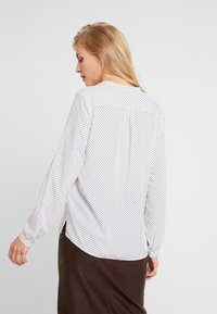 Marc O'Polo - BLOUSE CREW WITH OPEN SLIT LONG - Skjorta - combo - 2