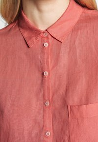 Marc O'Polo - BLOUSE LONG SLEEVED EASY SHAPED CHEST POCKET - Blouse - salty peach - 5