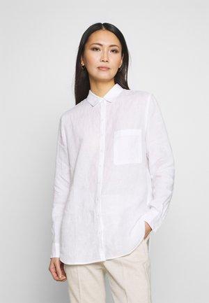 BLOUSE LONG SLEEVED EASY SHAPED CHEST POCKET - Overhemdblouse - white