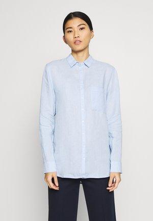 BLOUSE LONG SLEEVED EASY SHAPED CHEST POCKET - Košile - light blue