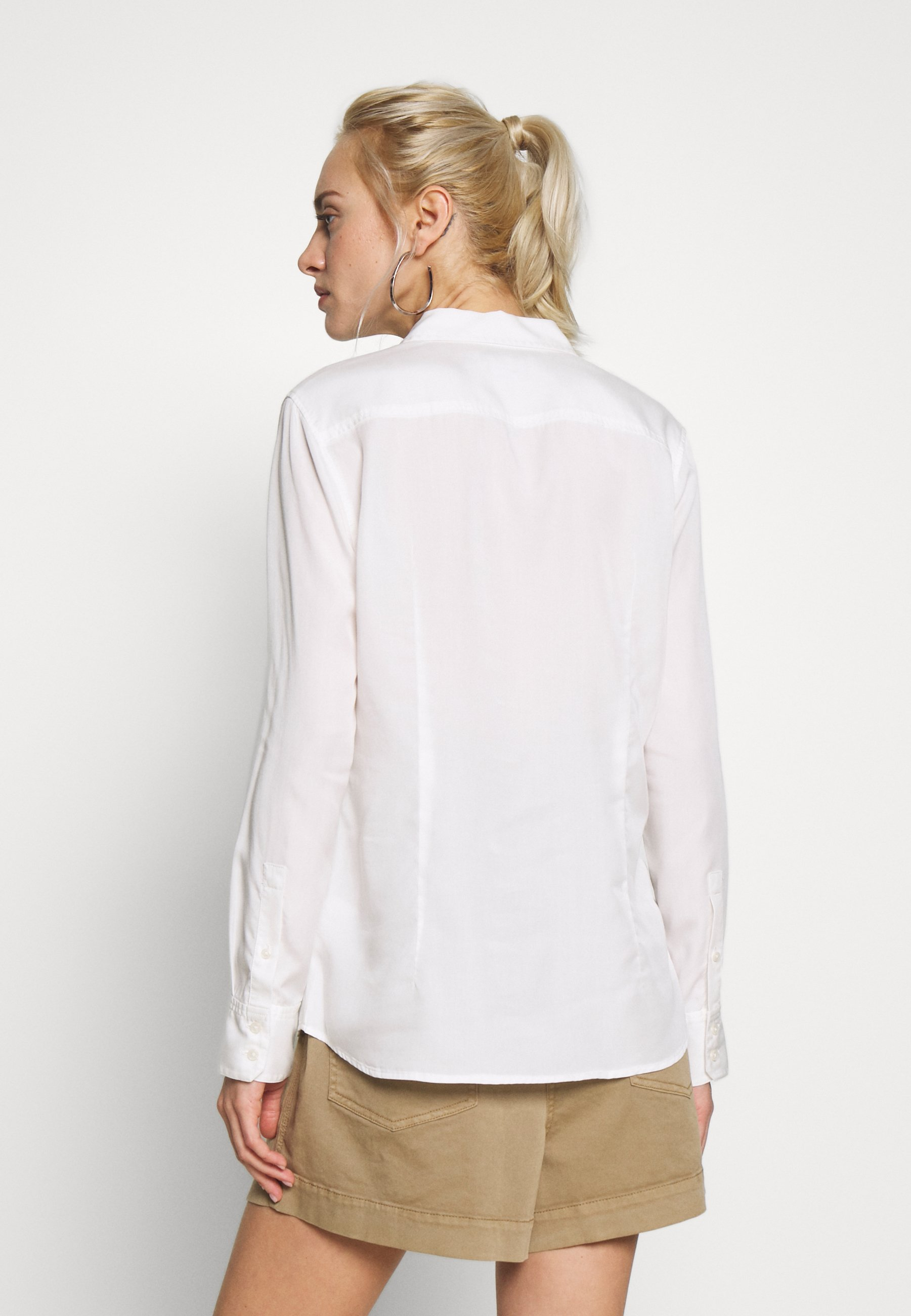 Marc O'Polo BLOUSE LONG SLEEVE PATCHED POCKETS - Button-down blouse - oyster white gjV9O