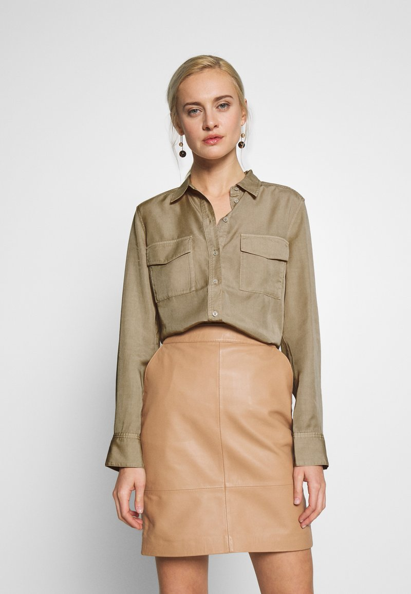 Marc O'Polo - BLOUSE LONG SLEEVE PATCHED POCKETS - Skjorte - swedish pine