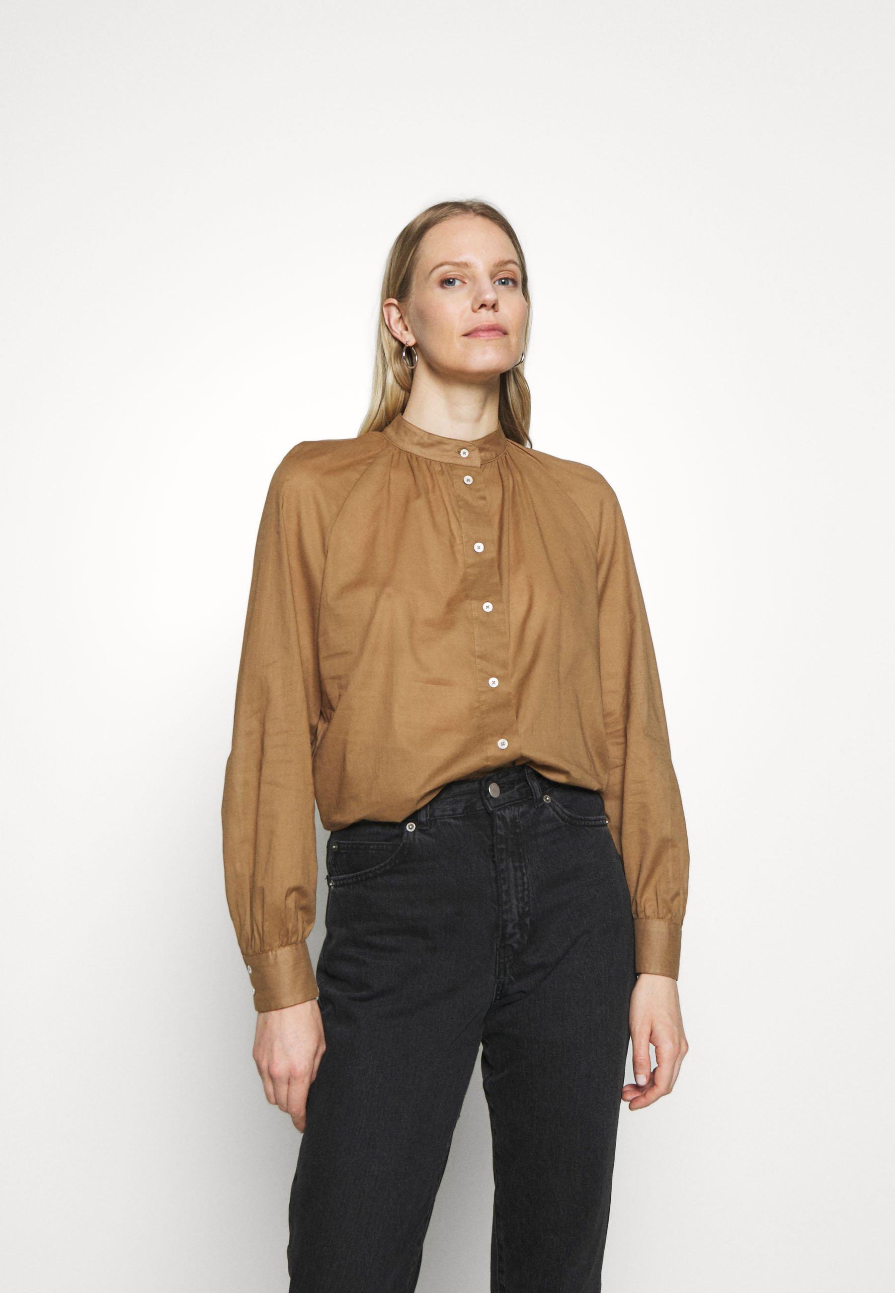 Szyk i ponadczasowa elegancja. brązowe Koszule damskie z  kpsis