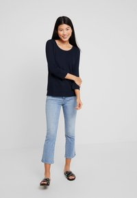 Marc O'Polo - LONG SLEEVE CREW NECK - Jersey de punto - midnight blue - 1