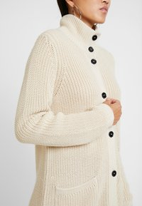 Marc O'Polo - CARDIGAN LONGSLEEVE HIGH COLLAR BUTTONS COZY - Chaqueta de punto - honey milk - 3