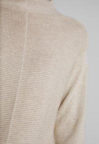 Marc O'Polo - LONGSLEEVE STRUCTURE MIX TURTLENECK - Trui - sandy beige - 4