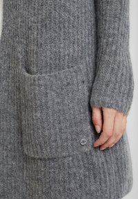 Marc O'Polo - CARDIGAN LONGSLEEVE OPEN FRONT STRUCTURED AND PATCHED POCKETS - Kardigan - middle stone melange - 5