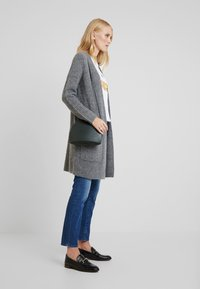 Marc O'Polo - CARDIGAN LONGSLEEVE OPEN FRONT STRUCTURED AND PATCHED POCKETS - Kardigan - middle stone melange - 1