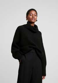 Marc O'Polo - LONG SLEEVE PATENT - Sweter - black - 0