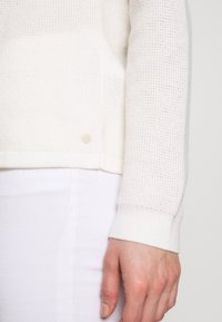Marc O'Polo - RAGLAN-SLEEVE STRUCTURE - Pullover - oyster white - 5