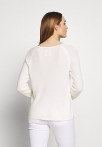 Marc O'Polo - RAGLAN-SLEEVE STRUCTURE - Pullover - oyster white - 2