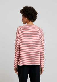 Marc O'Polo - LOOSE FIT - Maglione - red - 2