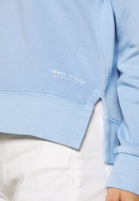 Marc O'Polo - SHIRT AT BACK - Sweatshirt - fresh spring sky
