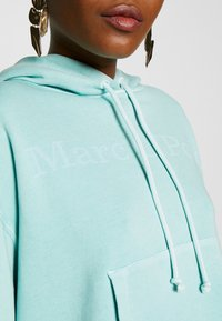 Marc O'Polo - LONG SLEEVE HOODED PATCHED POCKET - Hoodie - misty spearmint - 4