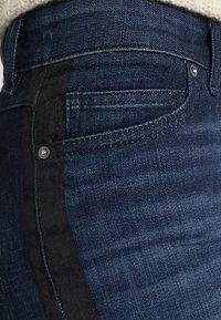 Marc O'Polo - TROUSERS REGULAR WAIST - Vaqueros slim fit - blue denim - 4