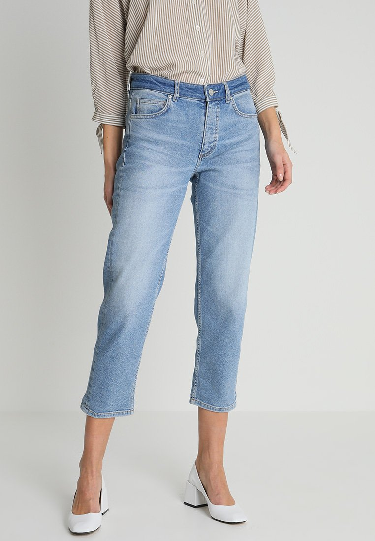 Marc O'Polo - TROUSER MOMS MID WAIST - Relaxed fit jeans - light blue denim