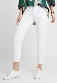 Marc O'Polo - TROUSER MID WAIST - Džíny Slim Fit - luxury white denim - 0