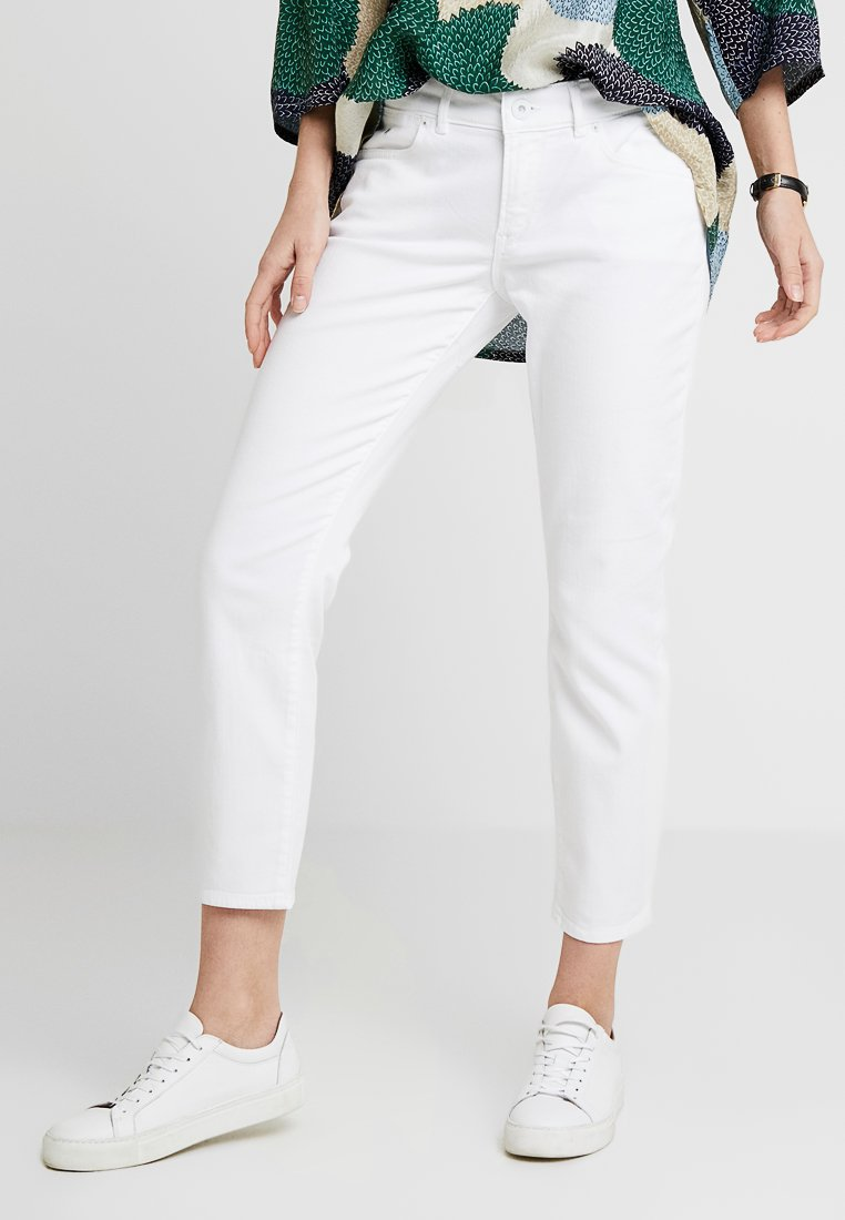 Marc O'Polo - TROUSER MID WAIST - Džíny Slim Fit - luxury white denim