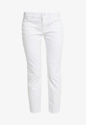TROUSER MID WAIST - Vaqueros slim fit - luxury white denim