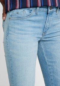 Marc O'Polo - TROUSER REGULAR WAIST - Jeans slim fit - light blue winter wash - 3