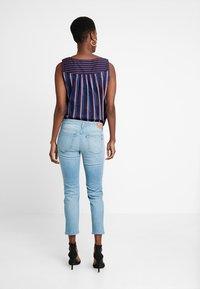 Marc O'Polo - TROUSER REGULAR WAIST - Jeans slim fit - light blue winter wash - 2