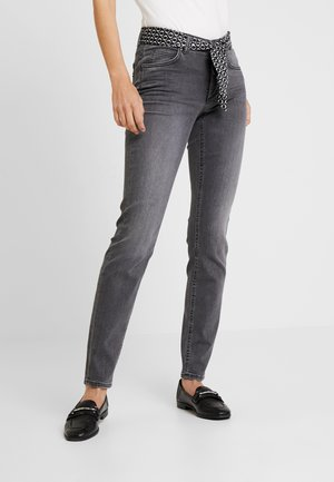 TROUSER MID WAIST - Slim fit jeans - faded black cozy denim