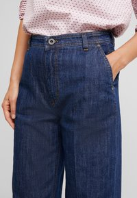 Marc O'Polo - TROUSER HIGH WAIST WIDE LEG - Jeansy Relaxed Fit - light-blue denim - 3