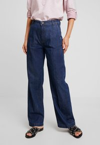 Marc O'Polo - TROUSER HIGH WAIST WIDE LEG - Jeansy Relaxed Fit - light-blue denim - 0