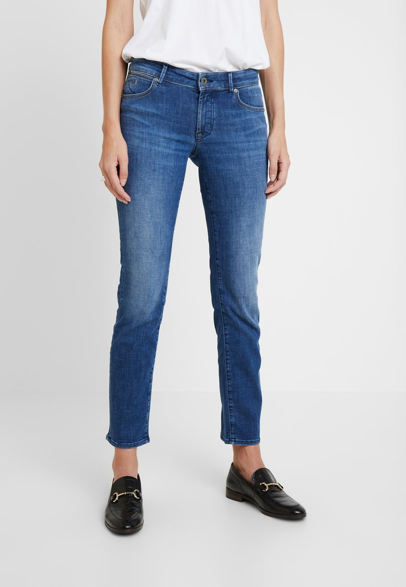 Marc O'Polo - TROUSER MID WAIST - Jeansy Straight Leg - blue wash