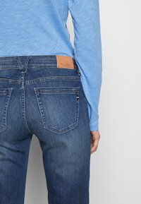 Marc O'Polo - TROUSER - Straight leg jeans - light summer wash - 3