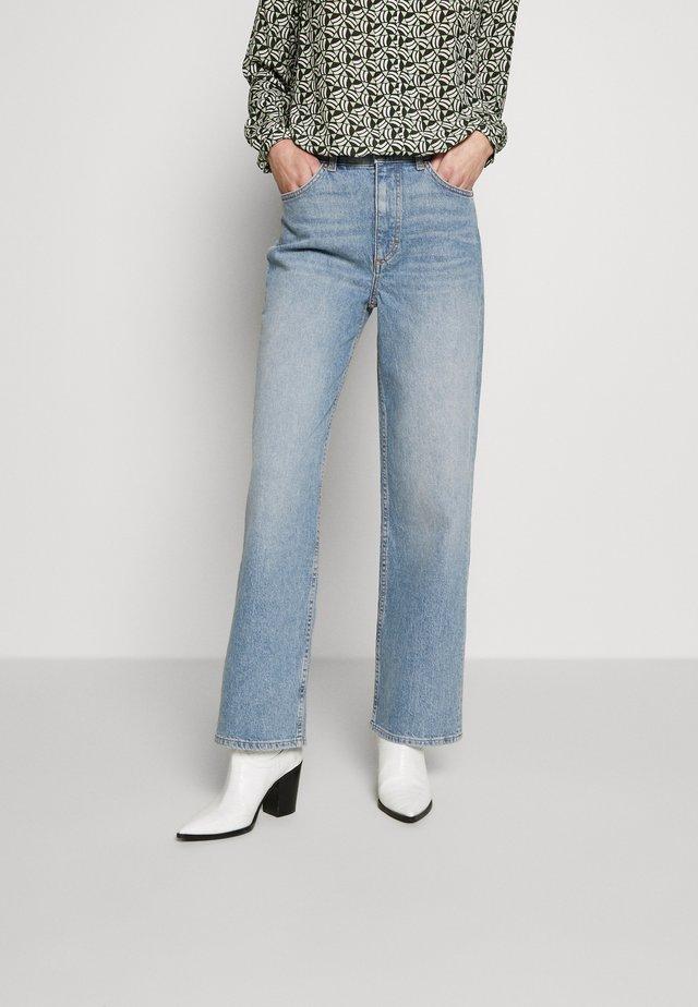 TROUSERS HIGH WAIST STRAIGHT WIDE LEG REGULAR LENGTH - Jeans relaxed fit - light blue wash