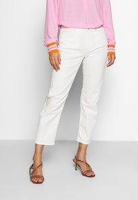 Marc O'Polo - HIGH WAIST CROPPED LENGTH - Straight leg jeans - soft white - 0