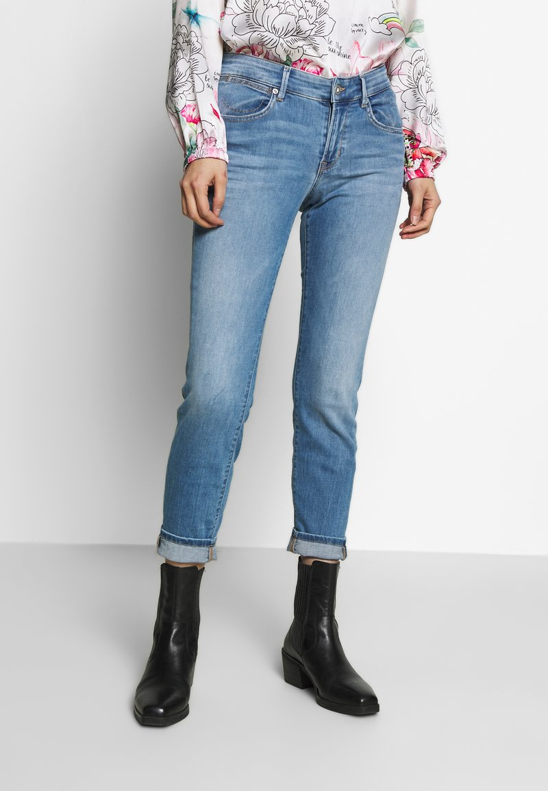 Marc O'Polo - TROUSER MID WAIST  - Slim fit jeans - light summer wash