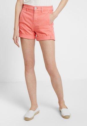 REGULAR FIT - Short en jean - peach pink
