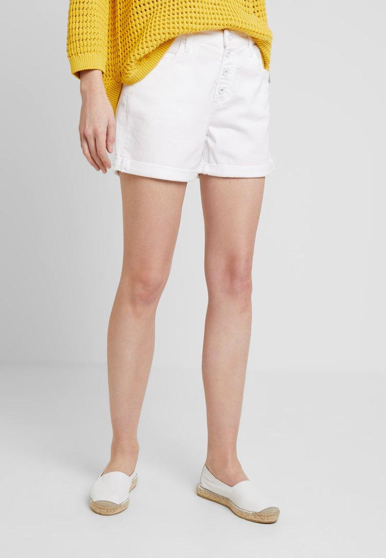 Marc O'Polo - SHORTS REGULAR FIT NORMAL  - Denim shorts - luxury white denim