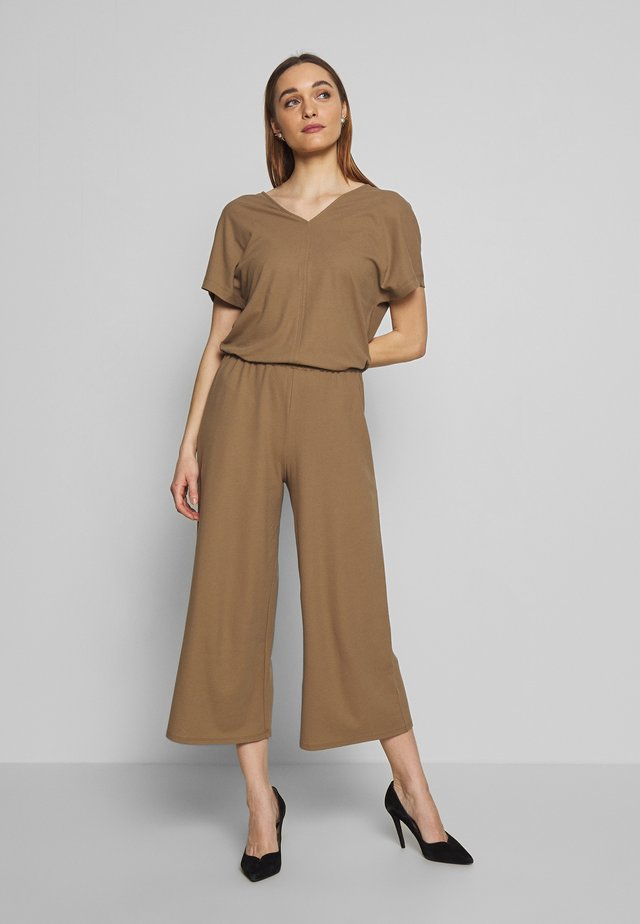 V-NECK WIDE LEG - Overal - shaded walnut
