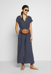 Marc O'Polo - OVERALL SHORT SLEEVES COLDDYE - Jumpsuit - silent sea - 1