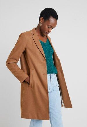 Krótki płaszcz - moose caramel
