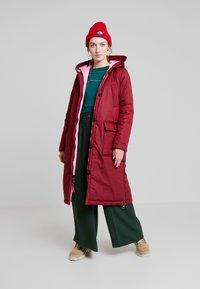 Marc O'Polo - BIG PUFFER COAT PADDED REVERSIBLE - Zimní kabát - light beetroot - 1