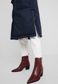Marc O'Polo - BIG PUFFER COAT PADDED REVERSIBLE - Wintermantel - midnight blue - 4