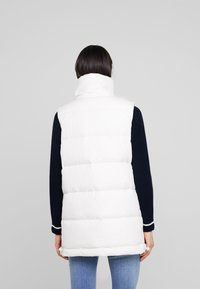 Marc O'Polo - LONG VEST FILLED WITH REAL - Väst - soft white - 2
