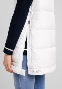Marc O'Polo - LONG VEST FILLED WITH REAL - Väst - soft white - 5