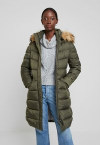 Marc O'Polo - COAT LONG FILLED HOOD - Donsjas - workers olive - 0