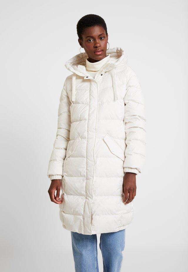 COAT LONG FILLED FIX HOOD FLAP POCKETS CUFFS - Kabát zprachového peří - birch white